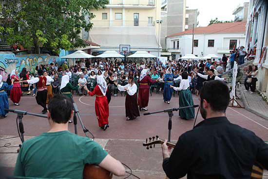Η διοίκηση του ΟΑΠΝ δεν συνεχίζει τη Γιορτή Πολυγλωσσίας