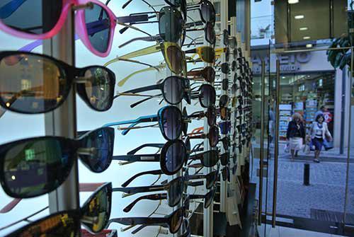c8201d18ec Ξεχωριστές επιλογές για γυαλιά οράσεως και ηλίου από καταστήματα οπτικών  της Κοζάνης!