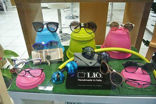 Ξεχωριστές επιλογές για γυαλιά οράσεως και ηλίου από καταστήματα ... fb33e17c462
