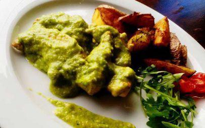 Ο Σέφ προτείνει… Φιλέτο κοτόπουλο με σάλτσα «πέστο κολοκυθιού»