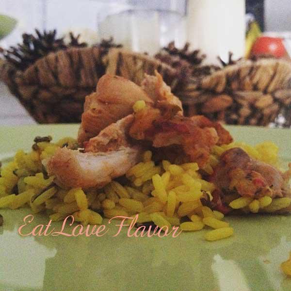 Τηγανιά κοτόπουλο & άγριο ρύζι με κρόκο Κοζάνης