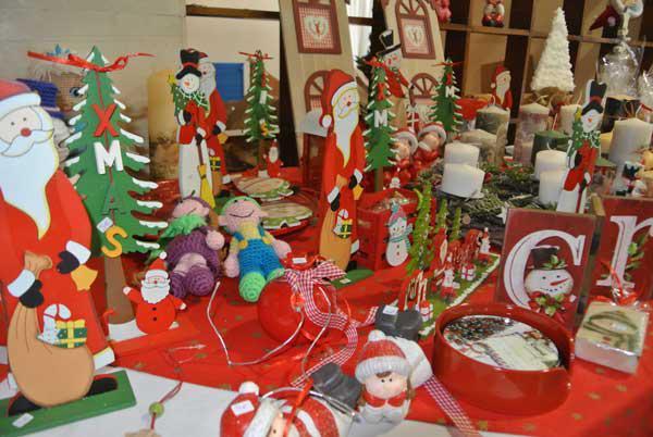 Πανέμορφες Χριστουγεννιάτικες δημιουργίες στο bazaar του Συλλόγου Γονέων Ατόμων με Αυτισμό! (video-φωτο)