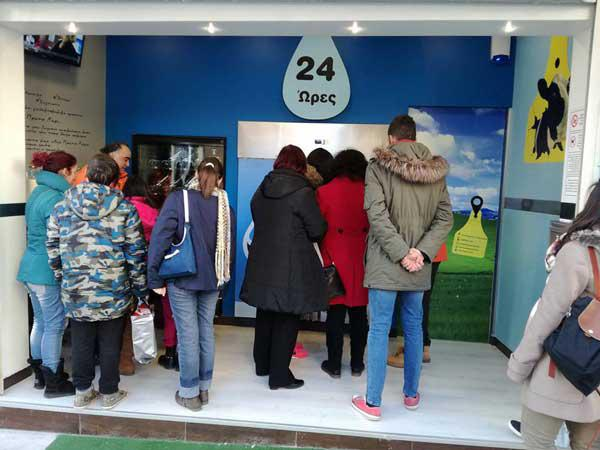 Μεγάλη ανταπόκριση για γάλα «από πρώτο χέρι» μέσω αυτόματων πωλητών στην Κοζάνη!