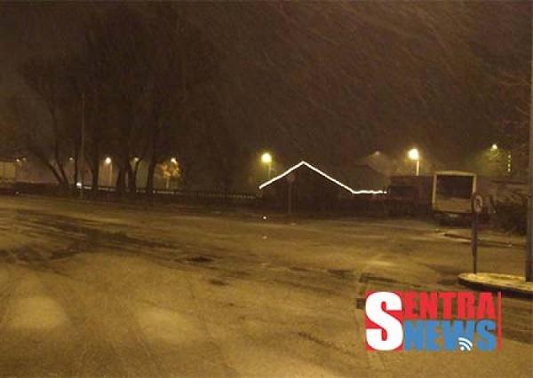 Ο χιονιάς έφτασε και στην πόλη της Καστοριάς
