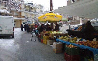 Με χιόνι και ελλείψεις σε προϊόντα η λαϊκή αγορά στη Σκ'ρκα
