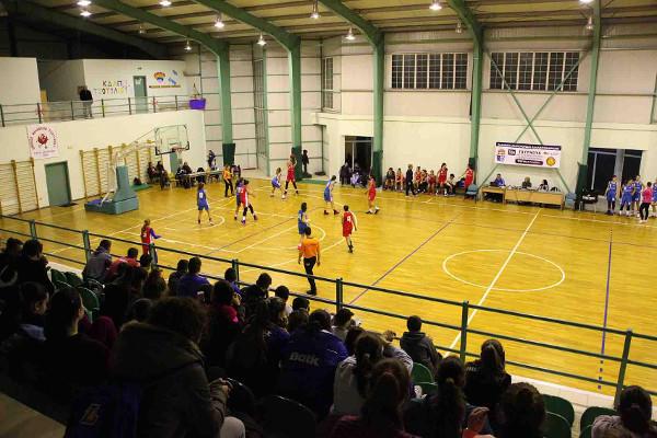 Εντυπωσιακό θέαμα στο τουρνουά κορασίδων μπάσκετ στο Τσοτύλι