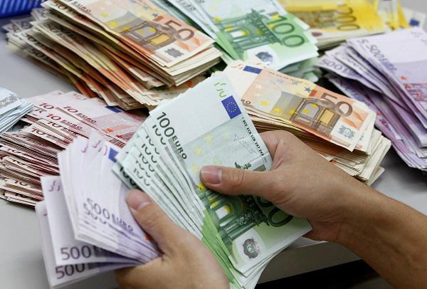 Δεκάδες αυτοαπασχολούμενοι αναμένουν τα ειδοποιητήρια του ΕΦΚΑ και στην Κοζάνη