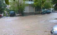 Ορμητικά «ποτάμια» λάσπης οι δρόμοι της Κοζάνης από τη σφοδρή καταιγίδα!