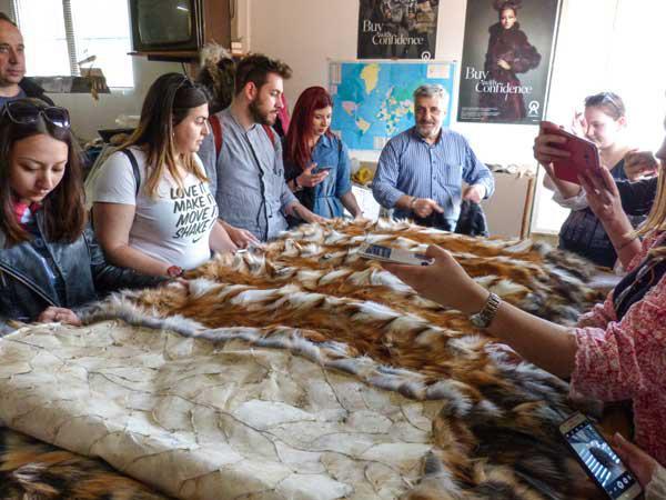 Εντυπωσιασμένοι από την παράδοση της γούνας σε Καστοριά και Σιάτιστα οι νέοι σχεδιαστές του ΤΕΙ Κιλκίς