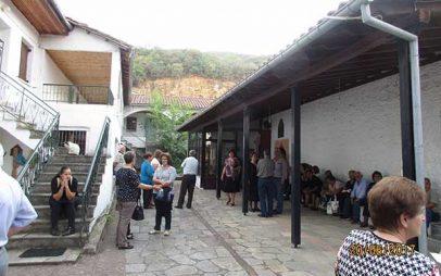 Πραγματοποιήθηκε η απογευματινή εκδρομή-προσκύνημα στο ιστορικό Μοναστήρι της Αγίας Τριάδας Λαριούς