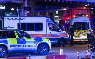 Τρομοκρατικές επιθέσεις στο Λονδίνο: Επτά νεκροί τουλάχιστον 48 τραυματίες νεκροί και οι τρεις δράστες