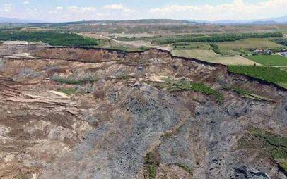 Καθίζηση Αναργύρων – Κατολίσθηση Ορυχείου Αμυνταίου : Θα μας καταπιεί η ΔΕΗ για να μας εξαφανίσει…