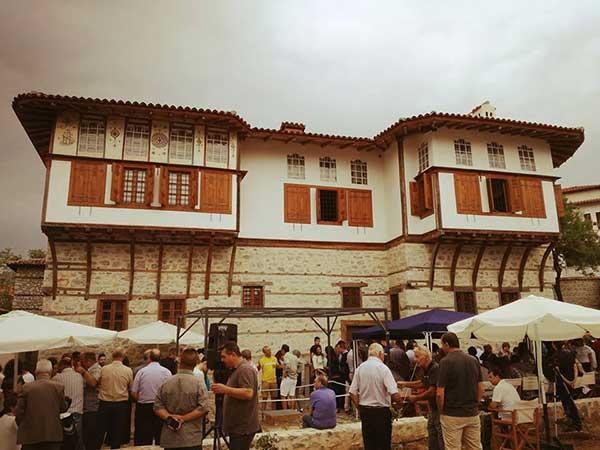 Με λαμπρότητα εγκαινιάστηκε το αρχοντικό Πούλκως στη Σιάτιστα
