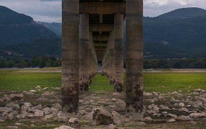 Η Φωτογραφία της Ημέρας: Η εντυπωσιακή φωτογραφία της γέφυρας του Ρυμνίου από τον Αργύρη Καραμούζα