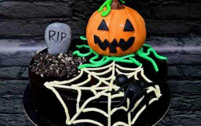 Η επίκαιρη τούρτα γενεθλίων «Halloween» του Κακλίδη που κερδίζει τα βλέμματα!