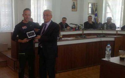 Βράβευση των Σιατιστινών αθλητών Χάρη Καλαμπούκα και Δημήτρη Σελέτη από τον Δήμαρχο Βοΐου