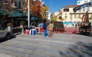 Τοποθετήθηκε το χριστουγεννιάτικο δέντρο στην πλατεία της Κοζάνης
