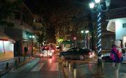 Άναψαν τα πρώτα χριστουγεννιάτικα λαμπιόνια στους δρόμους της Κοζάνης