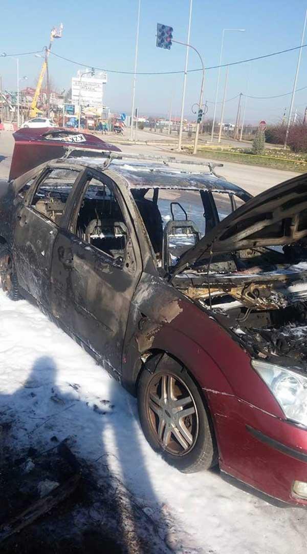 «Λαμπάδιασε» αυτοκίνητο στο δρόμο Πτολεμαΐδας – Κοζάνης
