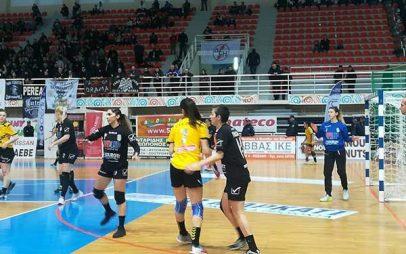 Ενθουσιασμός και αγωνία στον τελικό κυπέλου χάντμπολ γυναικών στη Λευκόβρυση