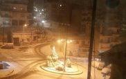 Πανέμορφες βραδινές εικόνες με την Κοζάνη στα λευκά-Εικόνες και VIDEO από το κέντρο και τον Ξενία