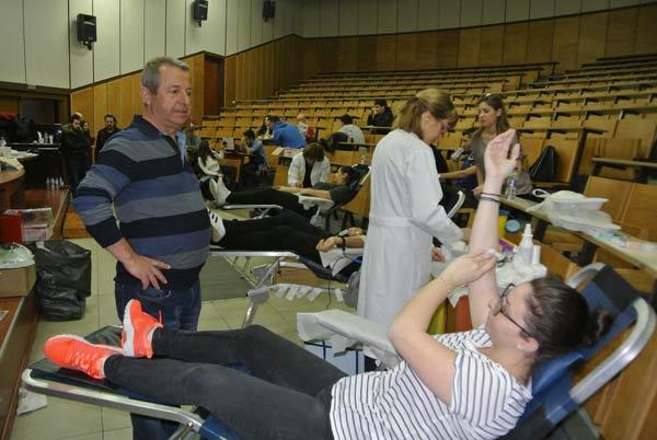 Κοζάνη: Οι φοιτητές του ΤΕΙ έδωσαν το καλό παράδειγμα αιμοδοτώντας!