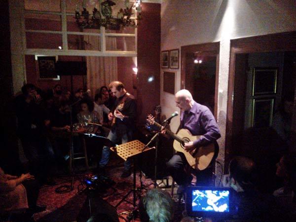Σπουδαία μουσική συνάντηση Ορφέα Περίδη – Γιώτη Κιουρτσόγλου στο Φιλοπρόοδο!