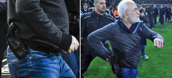 Ο Κώστας Σανίδης στο πλευρό του οπλοφόρου Ιβάν Σαββίδη