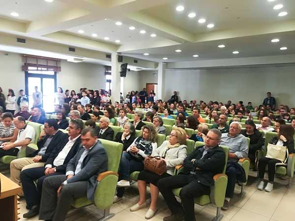 200 μαθητές Δημοτικού βραβεύτηκαν για τη συμμετοχή τους στο 13ο Μαθητικό Διαγωνισμό