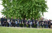 Ο Νίκος Κοτταρίδης και οι λυράρηδες μαθητές του στην επετειακή εκδήλωση μνήμης στο Ελεύθερο β΄ Γρεβενών