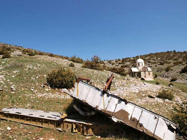 23 Νοεμβρίου 1976: Η Ιωάννα Χαρέλα από το Μεταξά θυμάται το τραγικό αεροπορικό δυστύχημα και διηγείται – «Αυτοί που έφτασαν πρώτοι στο σημείο δεν μπορούσαν να ξεχάσουν για βδομάδες αυτή την εικόνα»