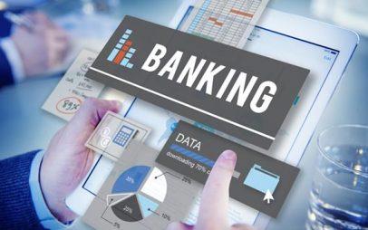 Οι τράπεζες κλείνουν τα ταμεία, καταργούν τα βιβλιάρια