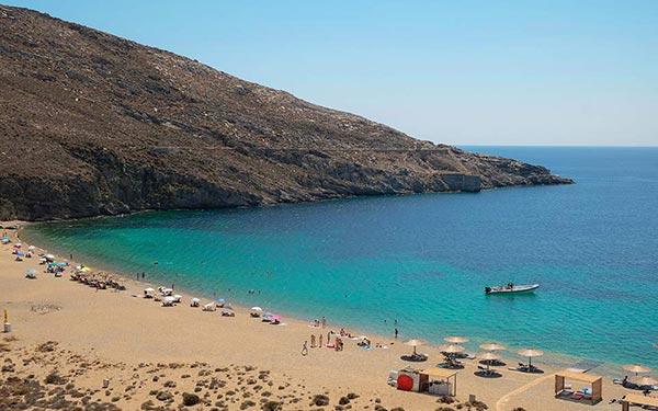 Η πρώτη smoke-free παραλία στη Σέριφο