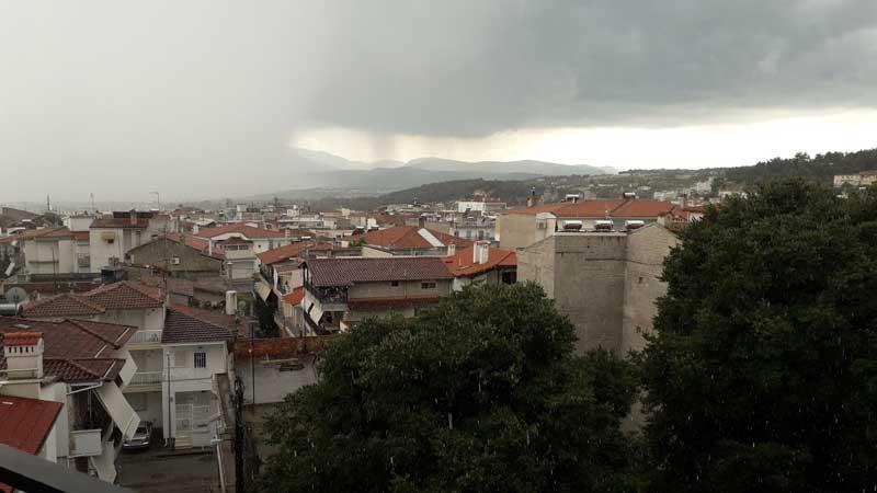 Νεφώσεις με ισχυρές βροχές και χιονοπτώσεις στα ορεινά αύριο Παρασκευή στη Δυτική Μακεδονία