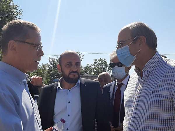Το καλωσόρισμα του Υπουργού Ενέργειας κ.Χατζηδάκη στην Ακρινή:Η δυσαρέσκεια  του προέδρου  και η γκλίτσα  που του χάρισε ο πρώην δήμαρχος Ελλησπόντου Κυριάκος Τσανακτσίδης