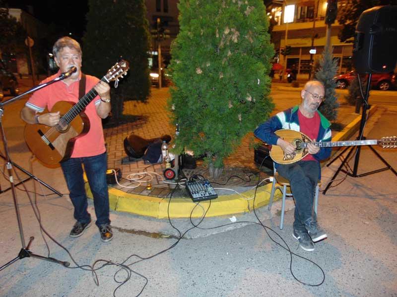 """Μουσικοί δρόμου ζωντάνεψαν την πόλη των Γρεβενών στο πλαίσιο της """"Ευρωπαϊκής Εβδομάδας Κινητικότητας 2020"""""""