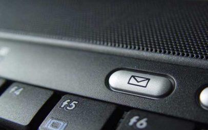Μεγάλη απάτη με πασίγνωστη εταιρεία courier – Τι mail σας στέλνουν ζητώντας χρήματα για να παραλάβετε δέμα