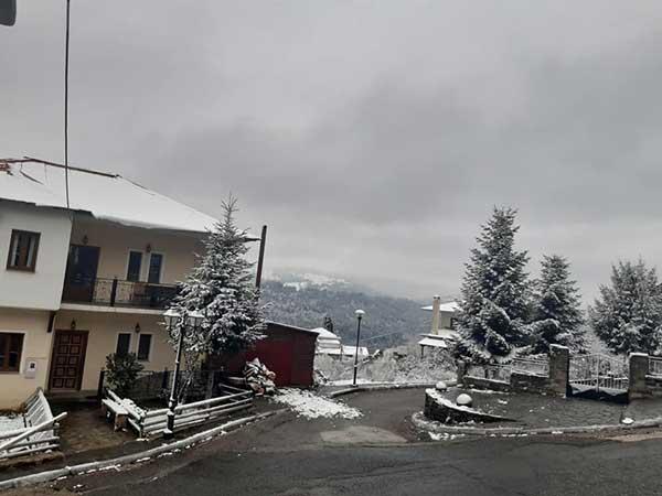 Τα πρώτα χιόνια στους Φιλιππαίους Γρεβενών-Δείτε φωτογραφίες
