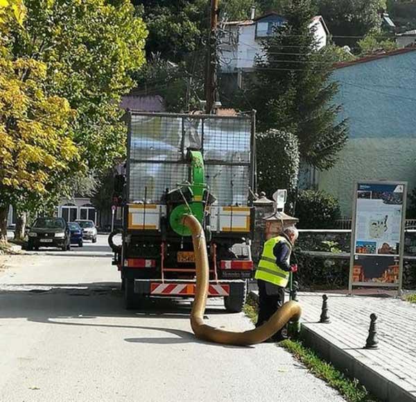 Με όλα τα μέσα και το ανθρώπινο δυναμικό συνεχίζεται ασταμάτητα το έργο των υπηρεσιών καθαριότητας και καθημερινότητας του Δήμου Καστοριάς