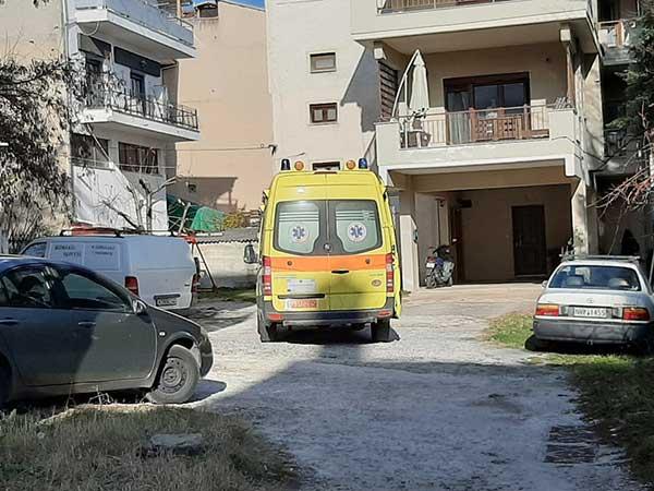 Μεγάλη αστυνομική επιχείρηση για τη διάσωση 49χρονου άντρα στην Κοζάνη – Απειλούσε ότι θα πέσει από το μπαλκόνι 19
