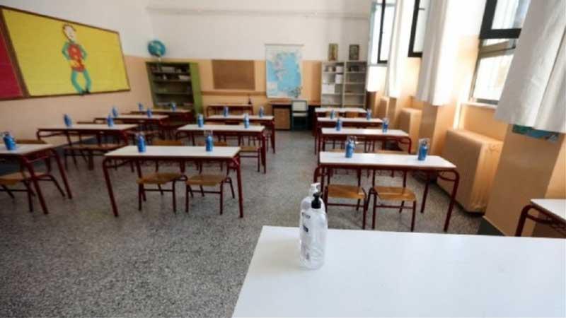 Άνοιγμα παραθύρων στις σχολικές αίθουσες σε συνθήκη ολικού παγετού στην Κοζάνη
