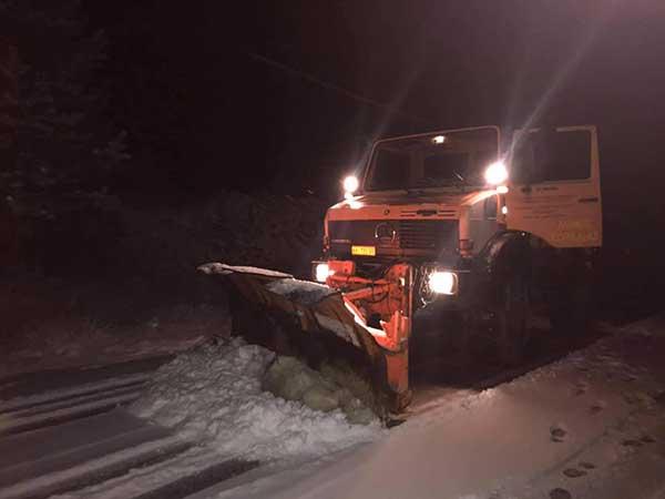 Βραδινές εικόνες από τη χιονόπτωση στη Βλάστη