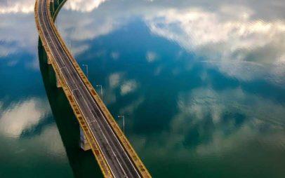 Η φωτογραφία της ημέρας:Στη γνωστή τη γέφυρα !!!
