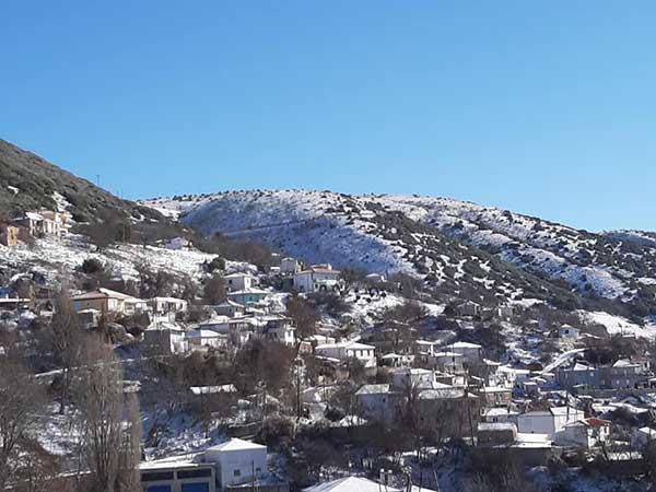 Σημερινές φωτογραφίες από το χιονισμένο Μεταξά