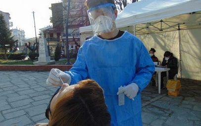Δήμος Γρεβενών: Ξεκίνησαν τα δωρεάν rapid test από τον ΕΟΔΥ στην κεντρική πλατεία Αιμιλιανού