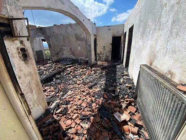 Αμύνταιο: Έκκληση για βοήθεια σε επταμελή οικογένεια που έμεινε χωρίς σπίτι λόγω φωτιάς