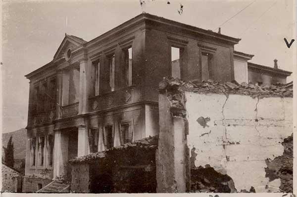 Σαν σήμερα πριν από 74 χρόνια κάηκε το Παρθεναγωγείο Βελβεντού μαζί με το Κοινοτικό Ξενοδοχείο και άλλα σαράντα σπίτια