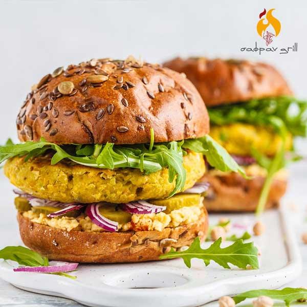 Burger με μπιφτέκι meatless χωρίς γλουτένη στο Σαφράν grill