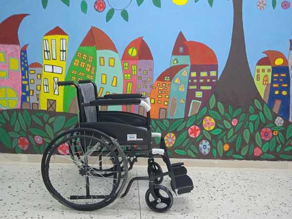 Μαθητές του 3ου Γελ Κοζάνης μάζεψαν καπάκια και δώρισαν αναπηρικό αμαξίδιο σε γηροκομείο
