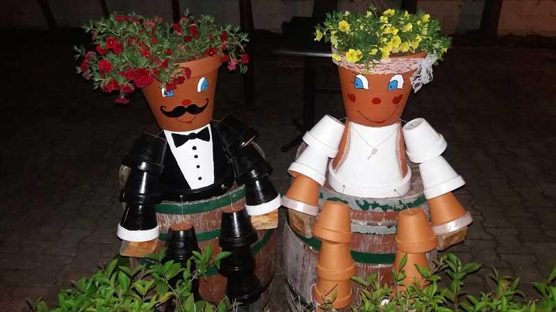 Φωτογραφία ημέρας: Παρά τις απαγορεύσεις τελέστηκε ο πρώτος γάμος στα «Νανάκια»